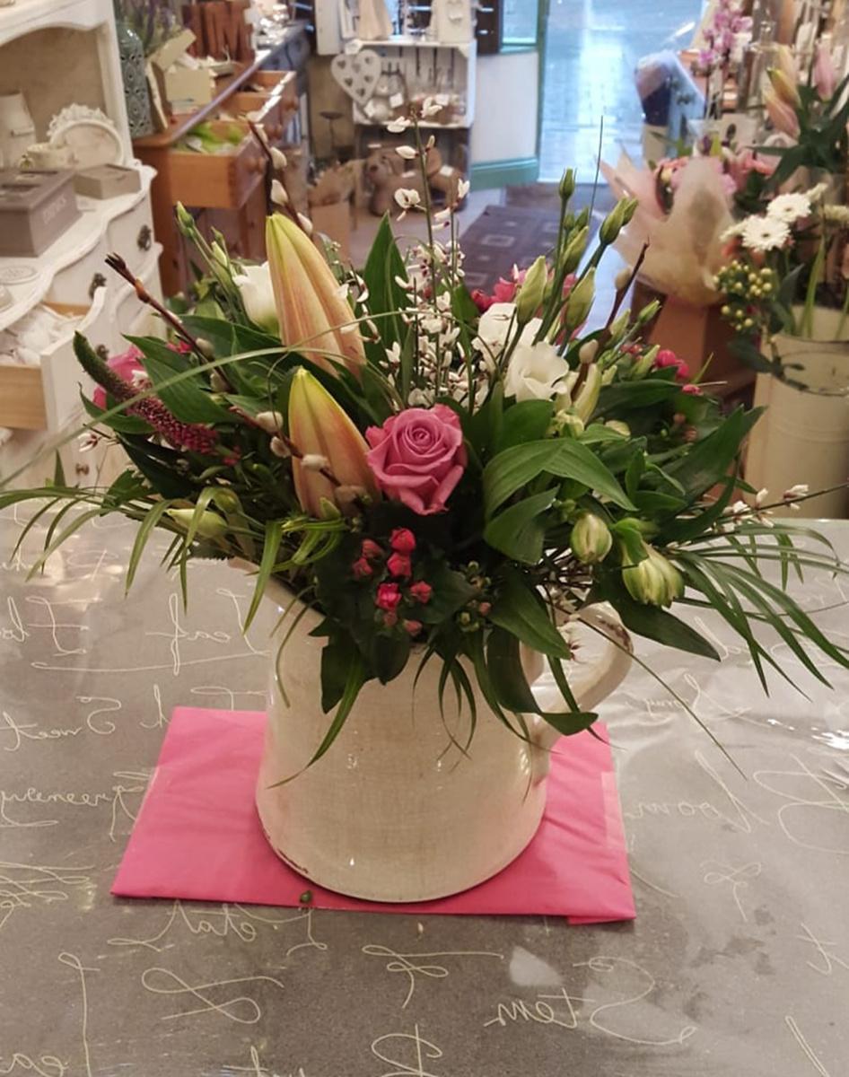 jugs-baskets-floral-arrangements-rugeley-florist-001