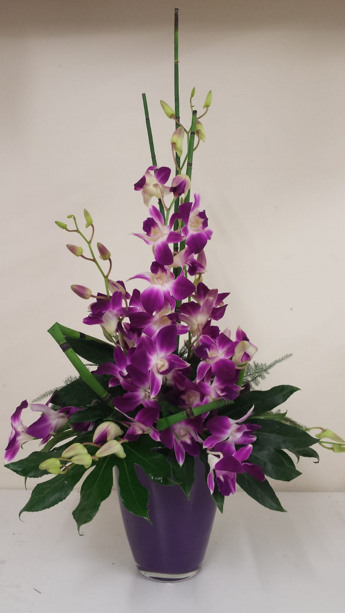 jugs-baskets-floral-arrangements-rugeley-florist-003