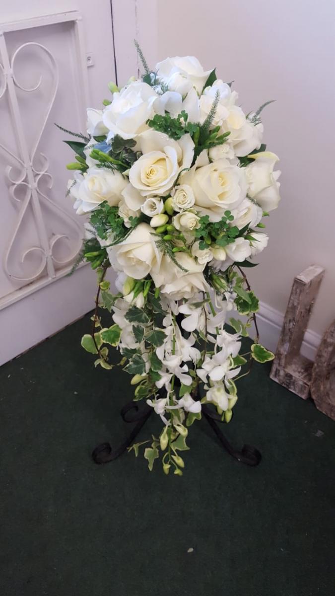 bridal-handshower-wedding-flowers-rugeley-florist-staffordshire-015