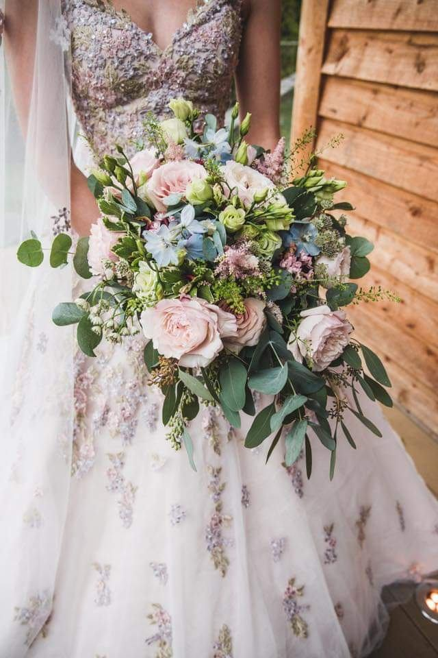 bridal-handtied-wedding-flowers-rugeley-florist-staffordshire-006