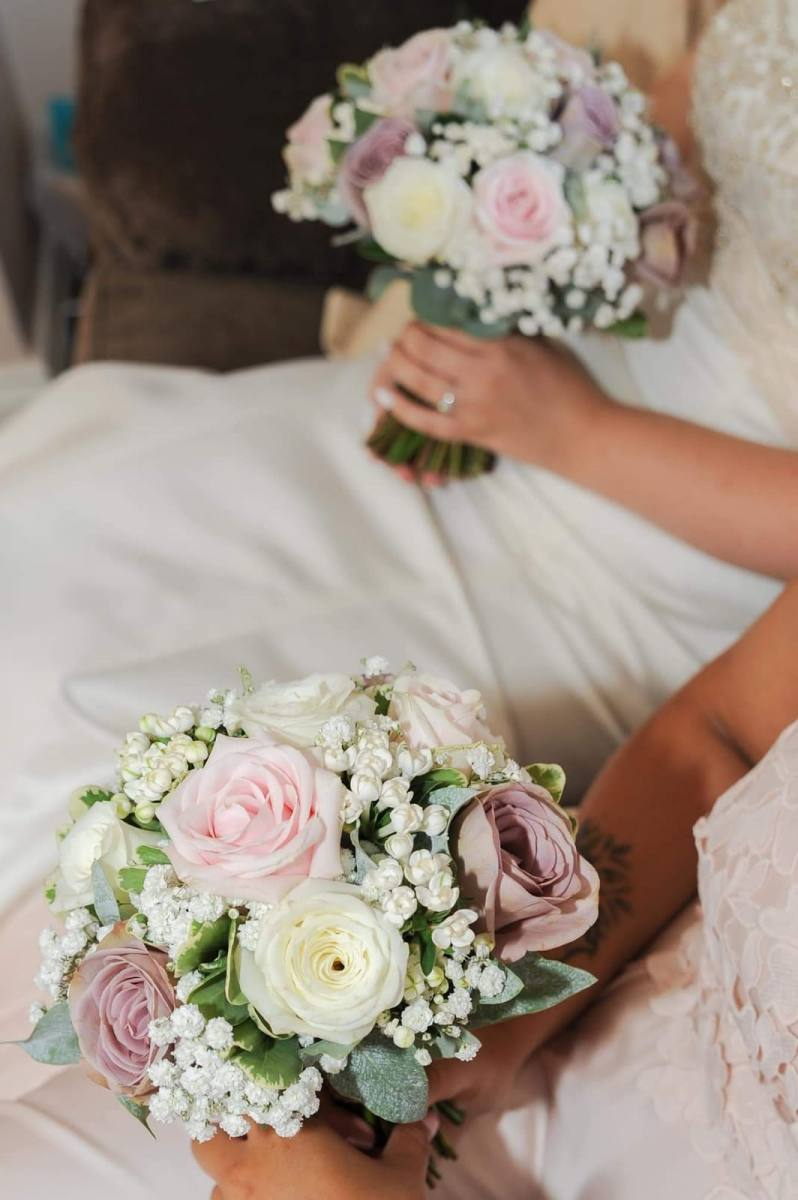 bridal-handtied-wedding-flowers-rugeley-florist-staffordshire-009