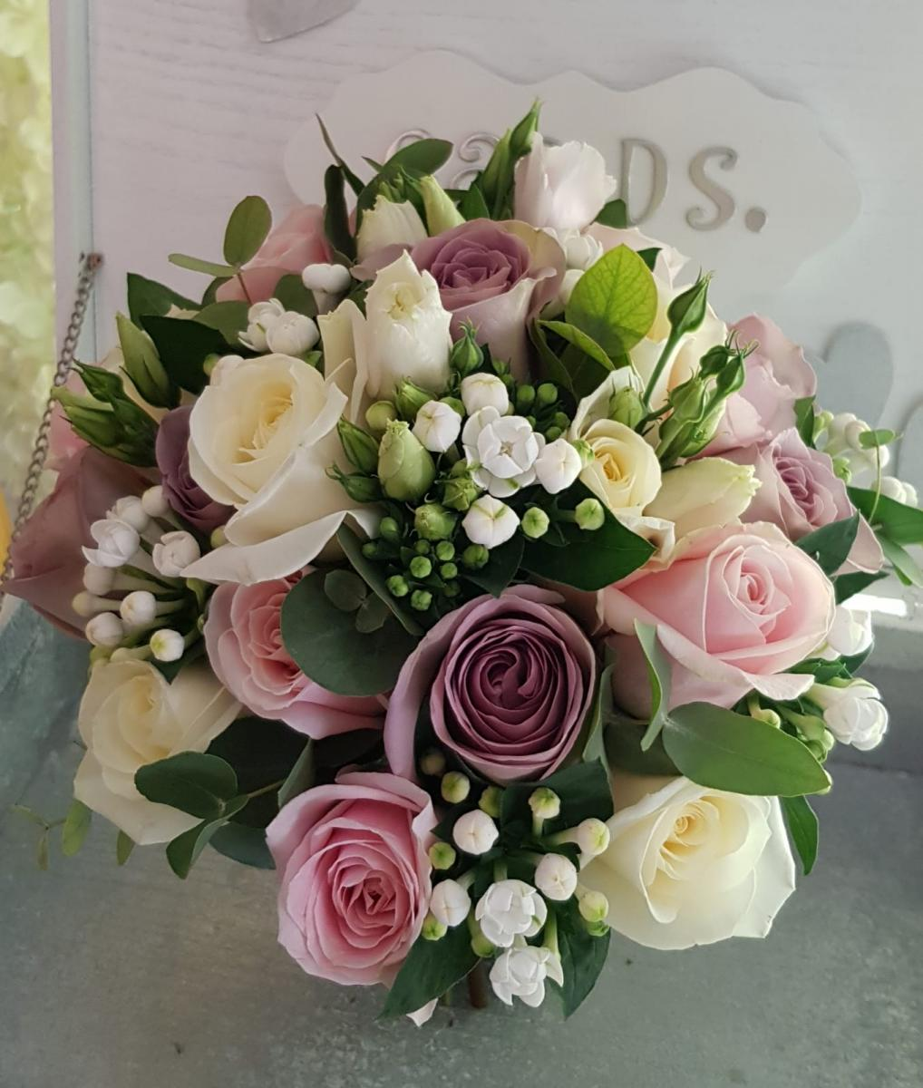 bridal-handtied-wedding-flowers-rugeley-florist-staffordshire-025