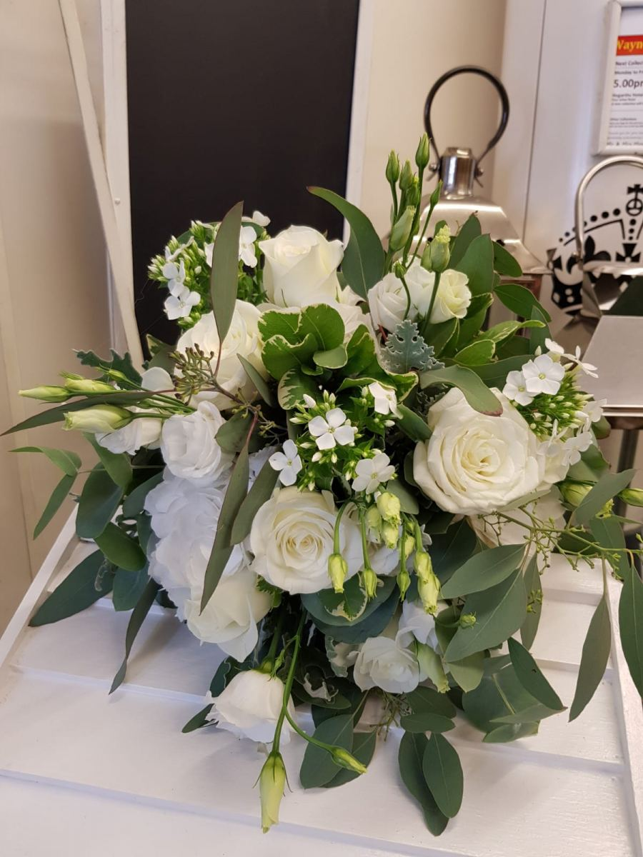 bridal-handtied-wedding-flowers-rugeley-florist-staffordshire-052