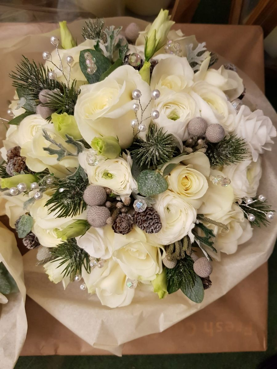 winter-wedding-flowers-rugeley-florist-staffordshire-070