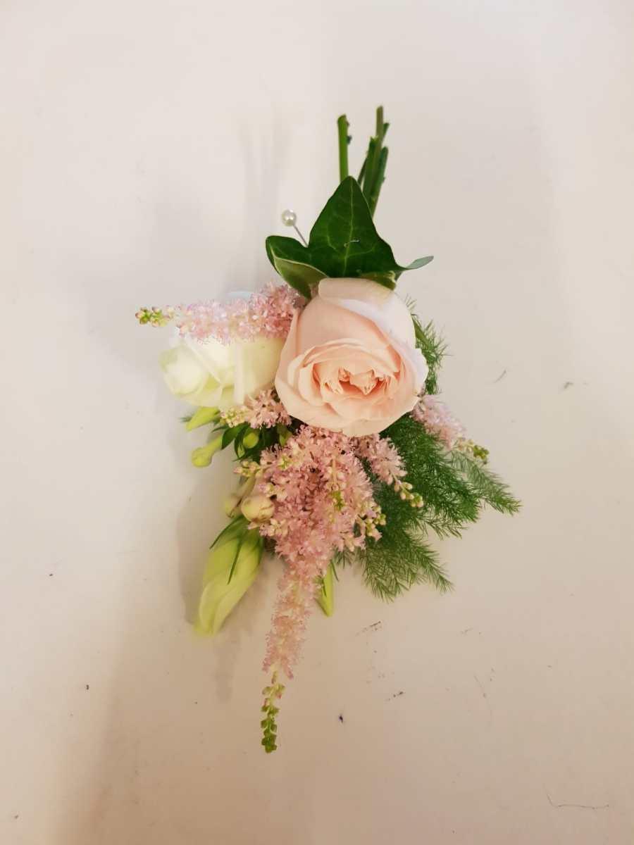 buttonholdes-wedding-flowers-rugeley-florist-staffordshire-033
