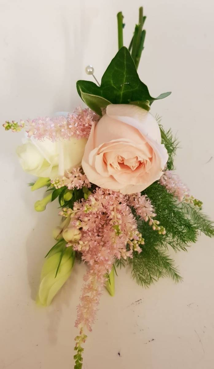 buttonholdes-wedding-flowers-rugeley-florist-staffordshire-034