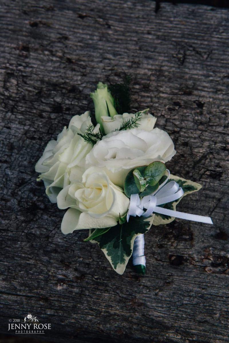 buttonholdes-wedding-flowers-rugeley-florist-staffordshire-039