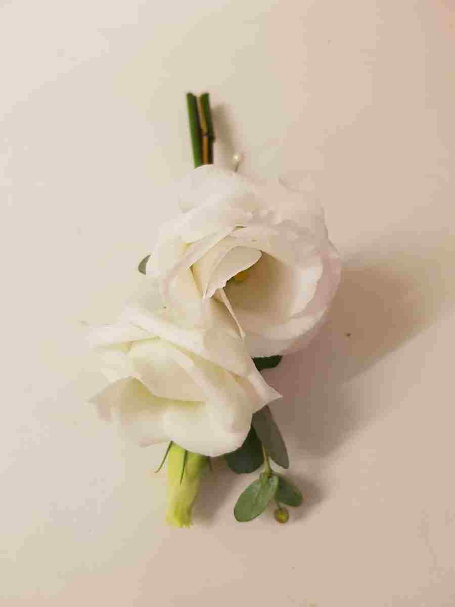 buttonholdes-wedding-flowers-rugeley-florist-staffordshire-040