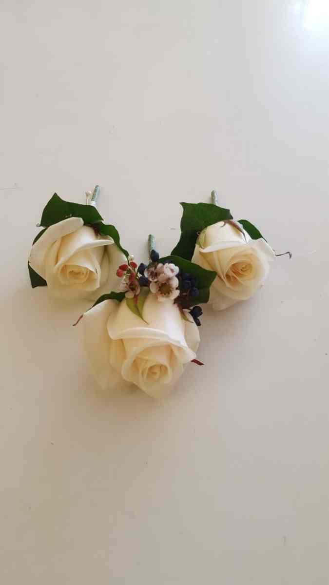buttonholdes-wedding-flowers-rugeley-florist-staffordshire-047