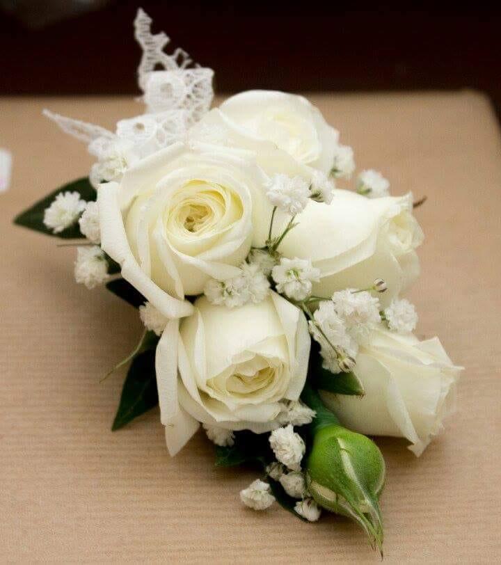 buttonholdes-wedding-flowers-rugeley-florist-staffordshire-049