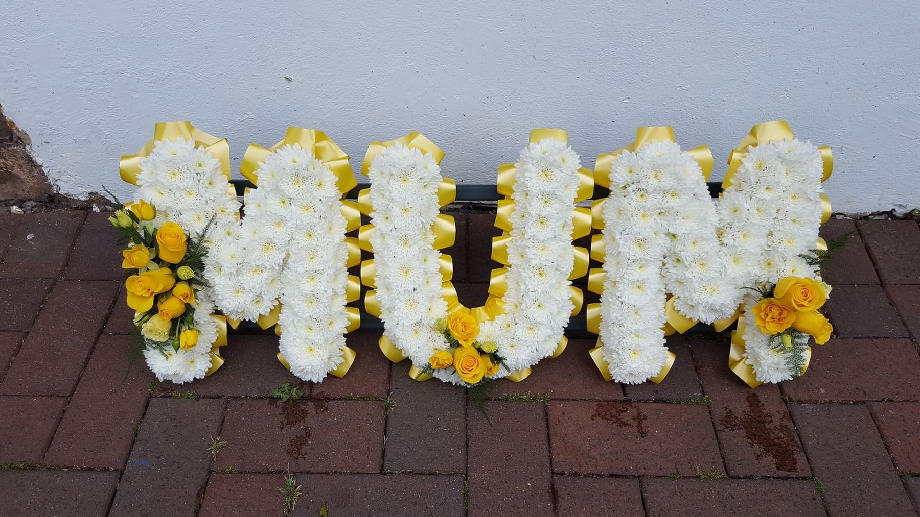 funeral-flowers-rugeley-florist-staffordshire-022