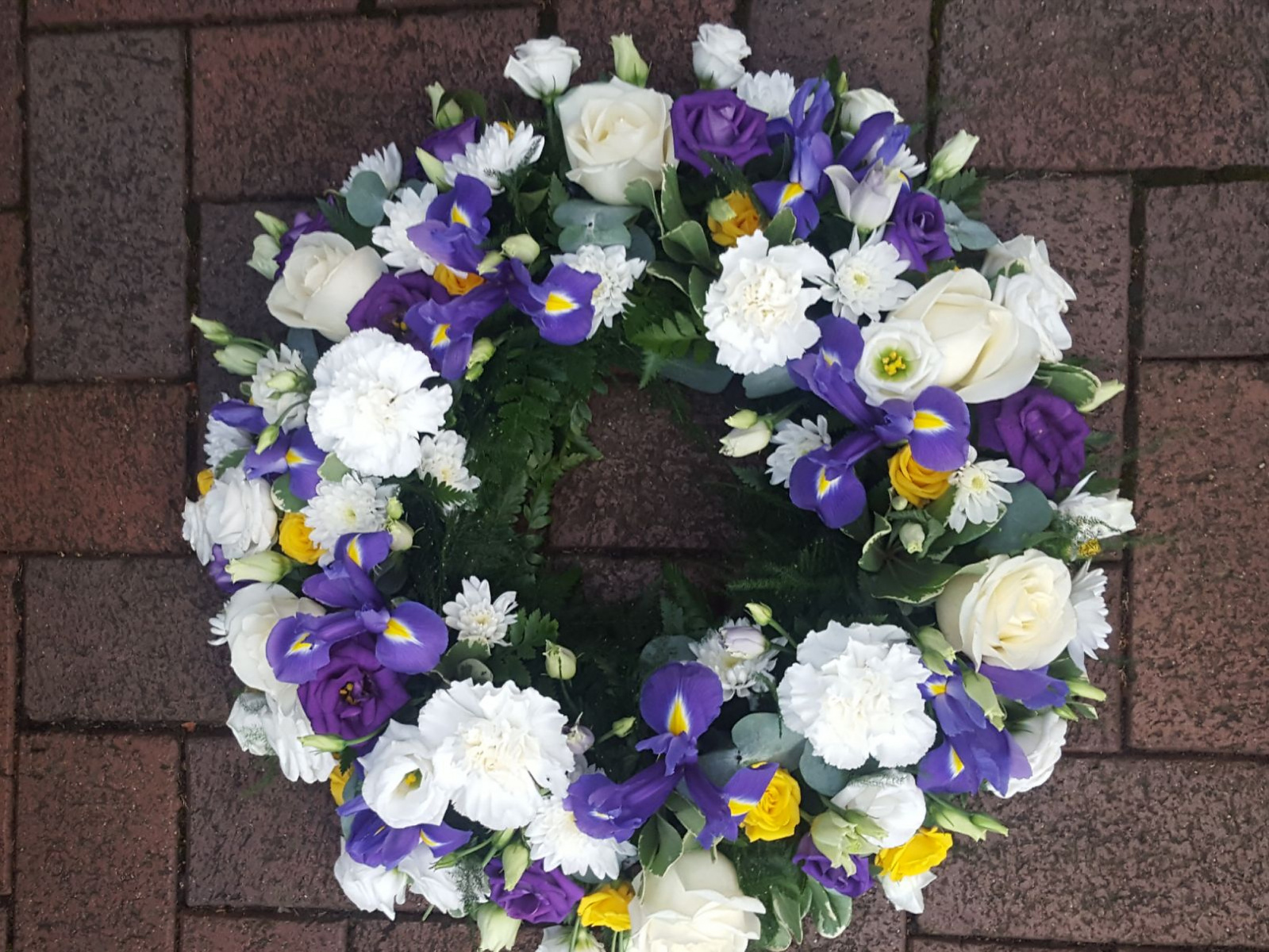 funeral-flowers-rugeley-florist-staffordshire-045