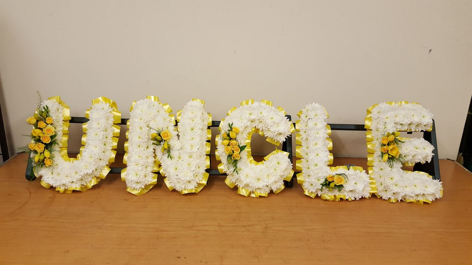 funeral-flowers-rugeley-florist-staffordshire-052