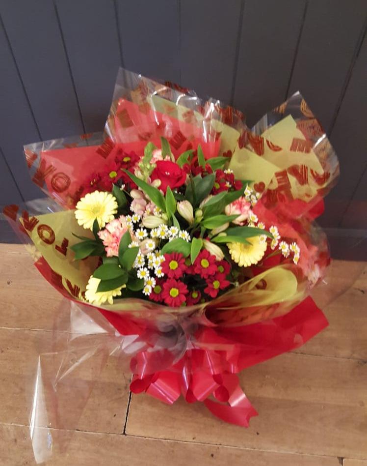 valentines-flowers-rugeley-florist-staffordshire-008