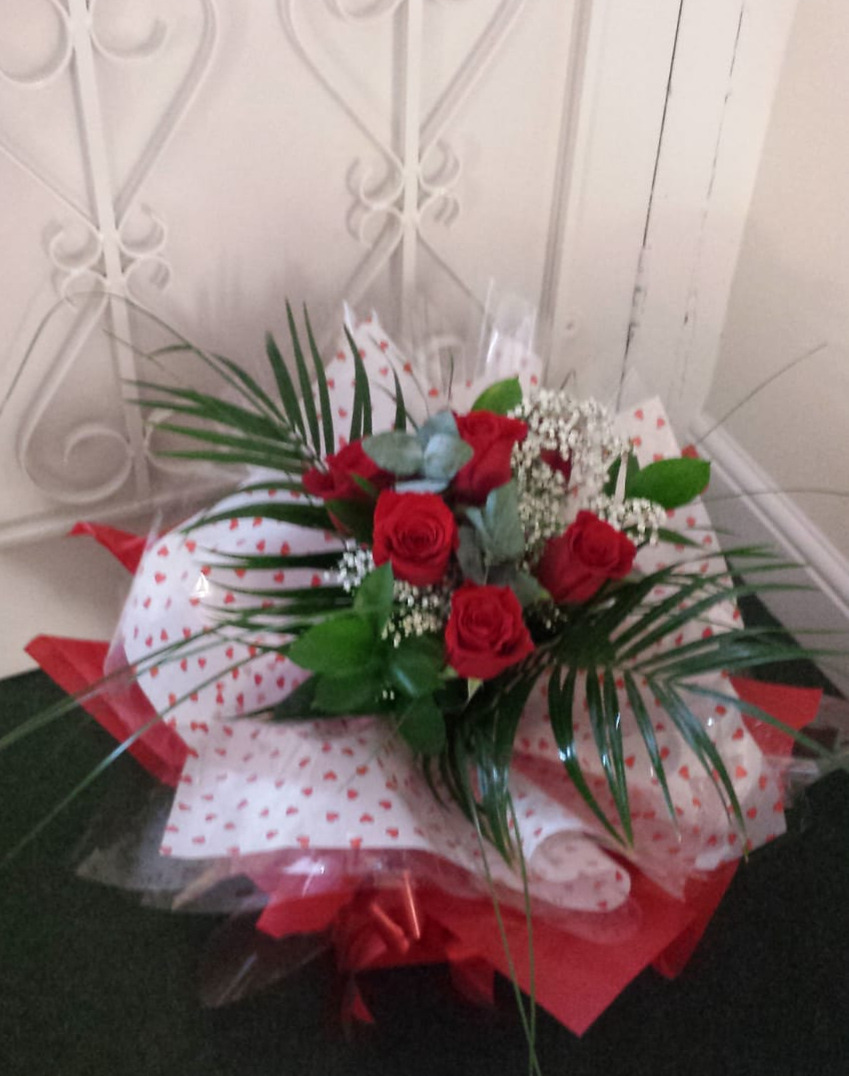 valentines-flowers-rugeley-florist-staffordshire-015
