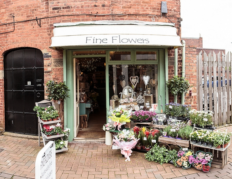 Fine Flowers Rugeley offers occasion flowers, bouquets and wedding flowers in Staffordshire. Fine Flowers is a Rugeley florist in Rugeley Staffordshire.