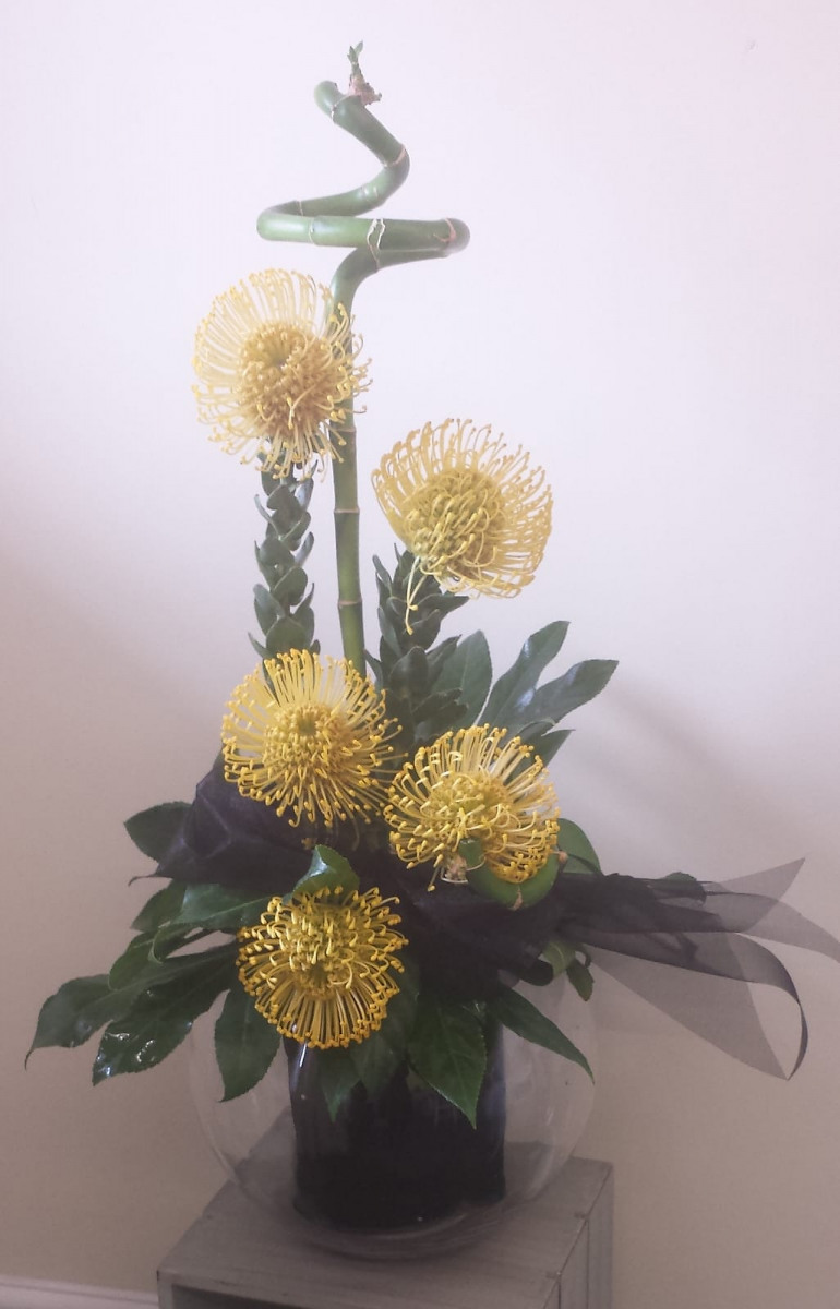 jugs-baskets-floral-arrangements-rugeley-florist-004