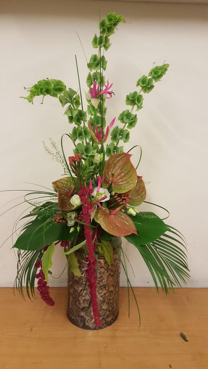 jugs-baskets-floral-arrangements-rugeley-florist-012