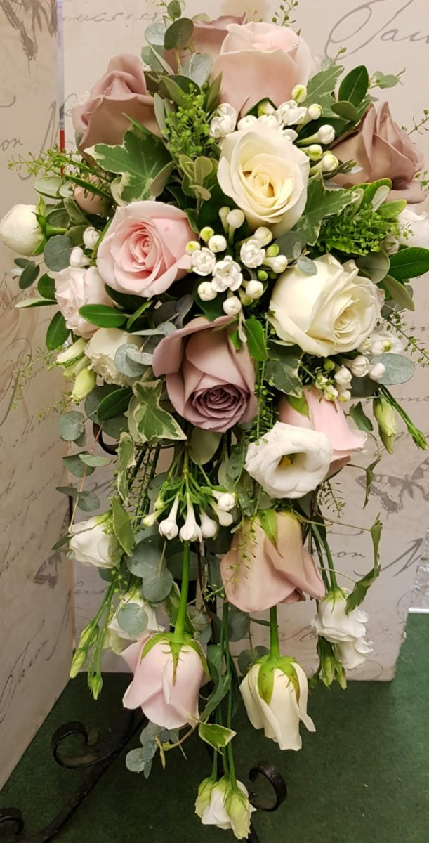 bridal-handshower-wedding-flowers-rugeley-florist-staffordshire-004