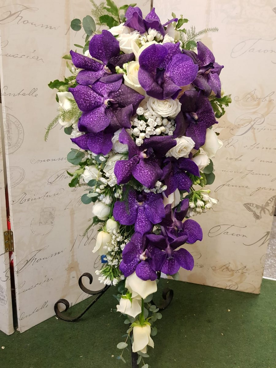 bridal-handshower-wedding-flowers-rugeley-florist-staffordshire-009