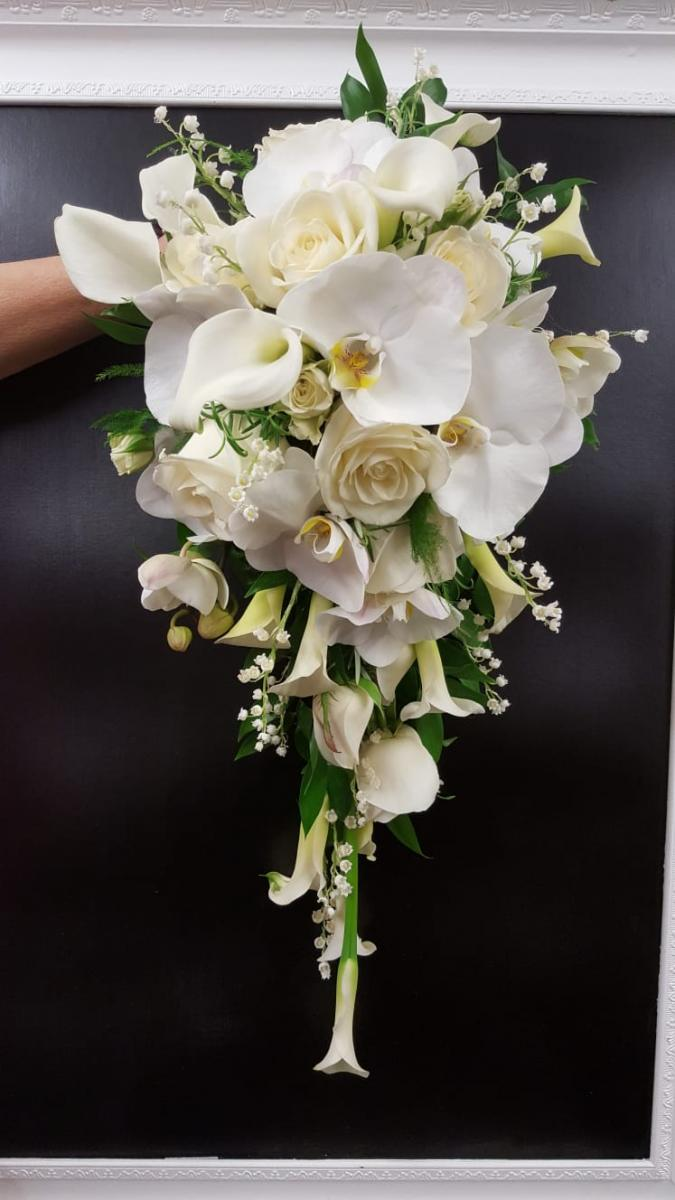 bridal-handshower-wedding-flowers-rugeley-florist-staffordshire-014