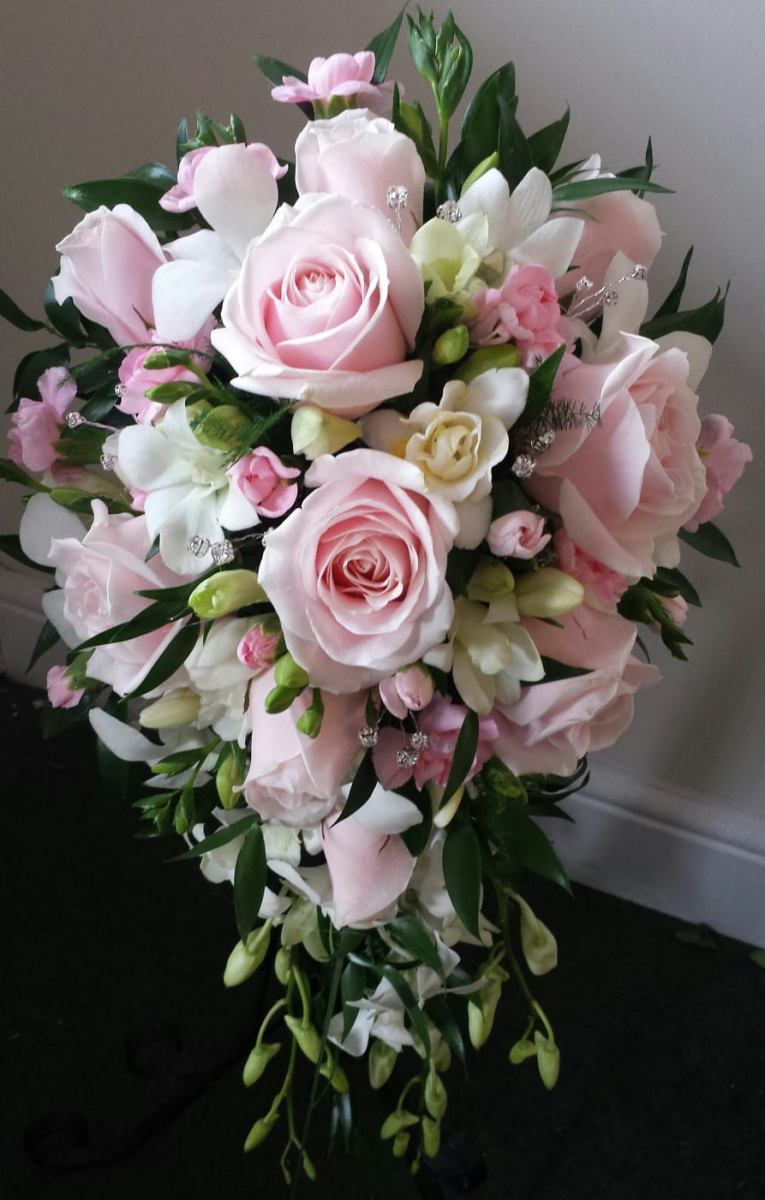 bridal-handshower-wedding-flowers-rugeley-florist-staffordshire-019