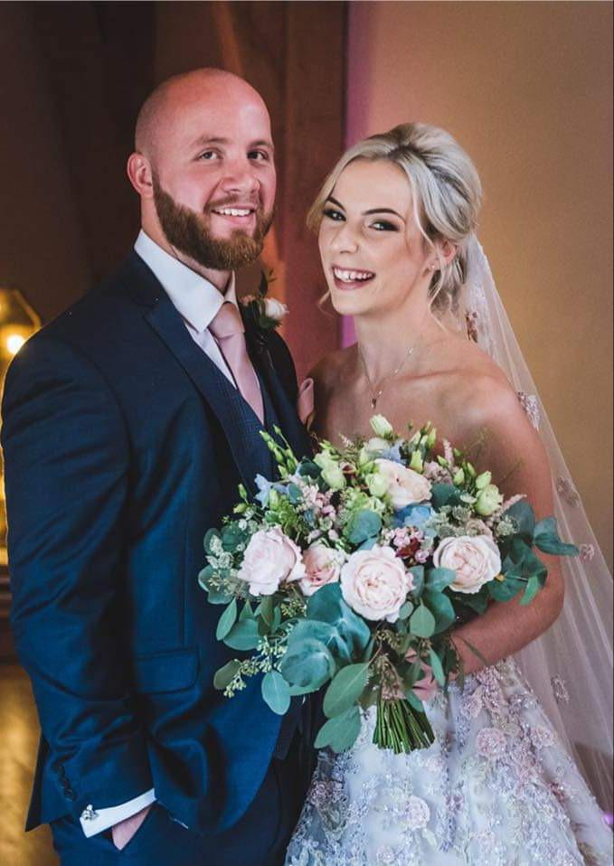 bridal-handtied-wedding-flowers-rugeley-florist-staffordshire-008