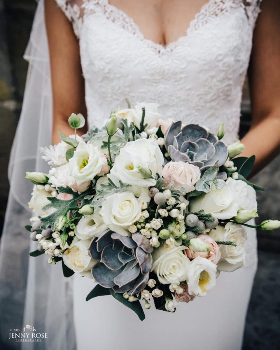 bridal-handtied-wedding-flowers-rugeley-florist-staffordshire-033