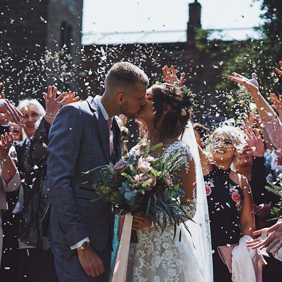 bridal-handtied-wedding-flowers-rugeley-florist-staffordshire-035
