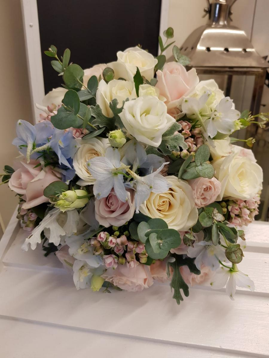 bridal-handtied-wedding-flowers-rugeley-florist-staffordshire-040