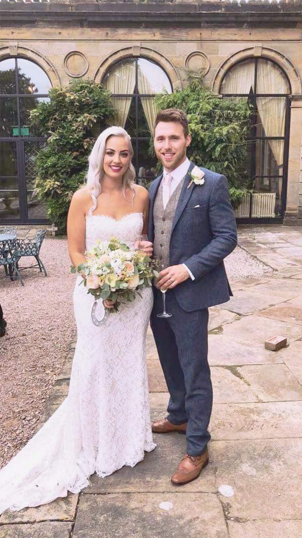 bridal-handtied-wedding-flowers-rugeley-florist-staffordshire-044