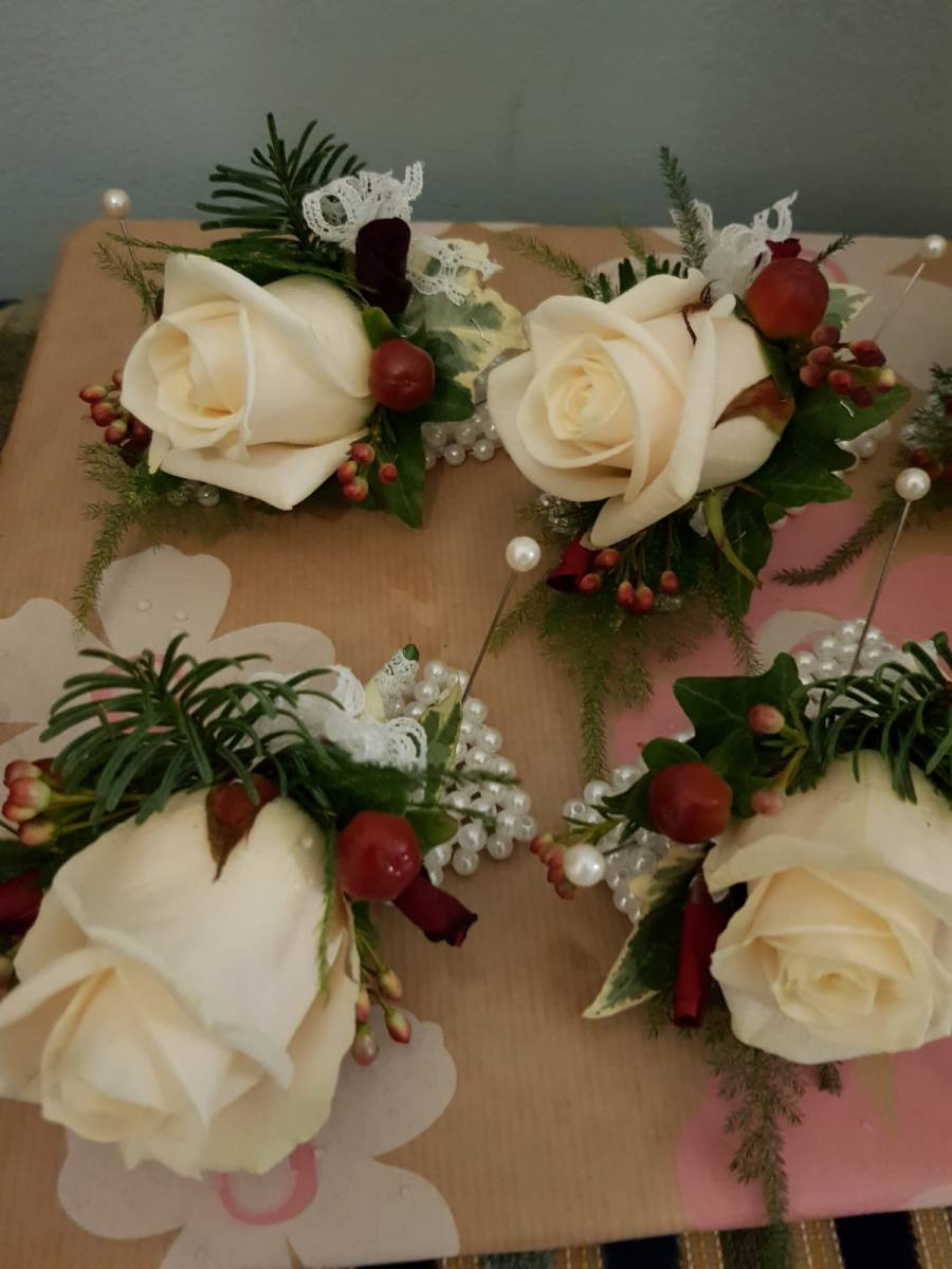winter-wedding-flowers-rugeley-florist-staffordshire-068