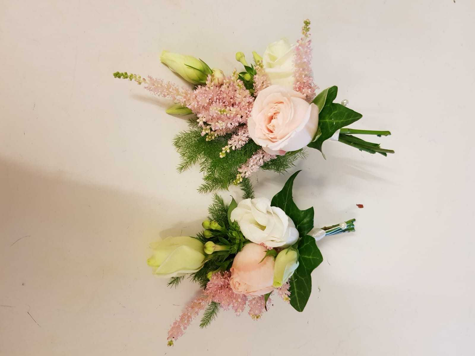 buttonholdes-wedding-flowers-rugeley-florist-staffordshire-032