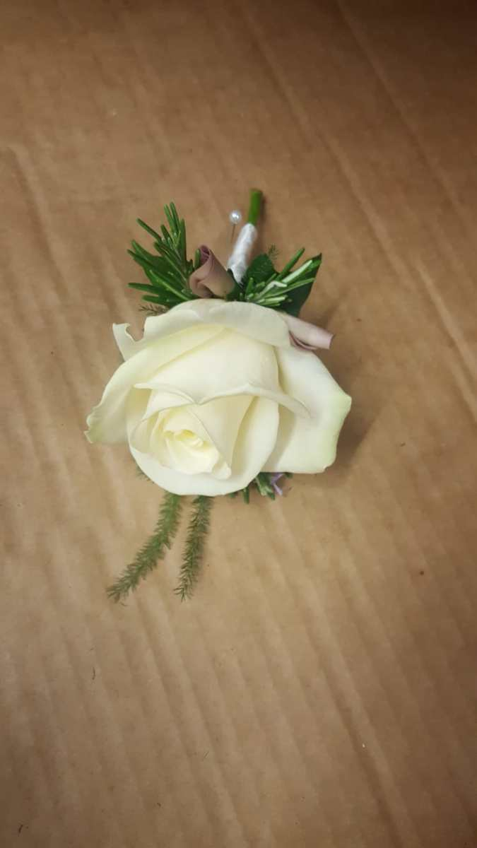 buttonholdes-wedding-flowers-rugeley-florist-staffordshire-046