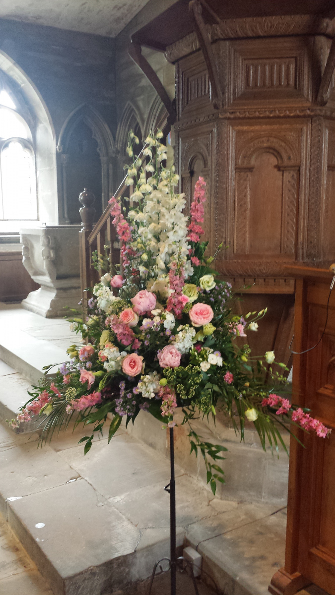 church-wedding-flowers-rugeley-florist-staffordshire-004
