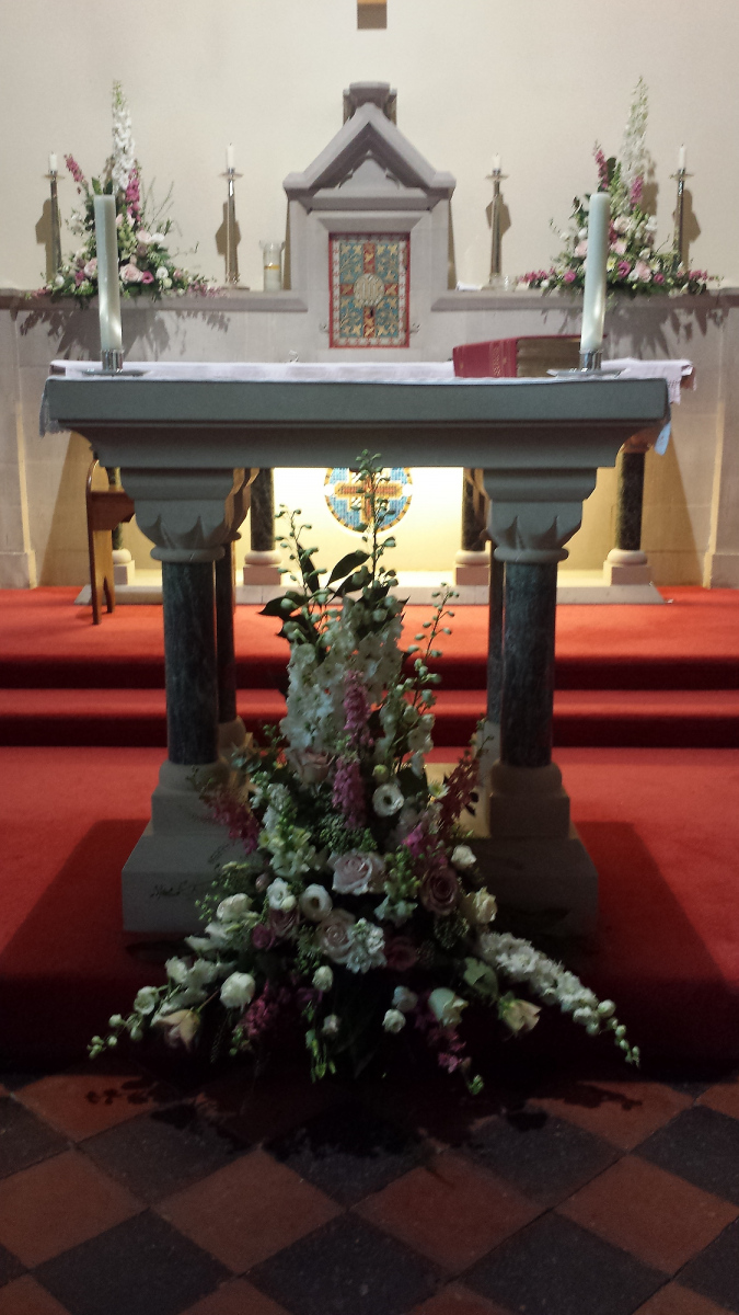 church-wedding-flowers-rugeley-florist-staffordshire-013