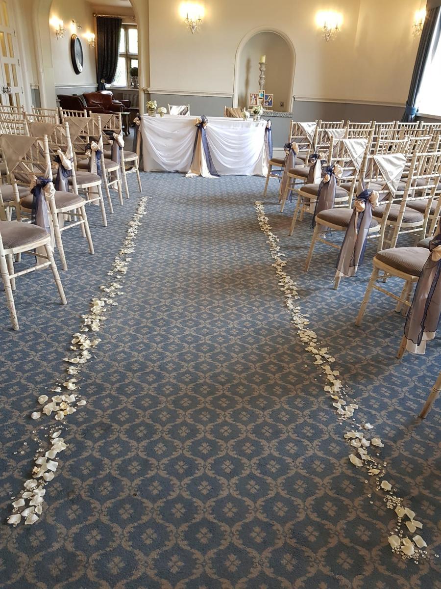 civil-ceremony-wedding-flowers-rugeley-florist-staffordshire-014