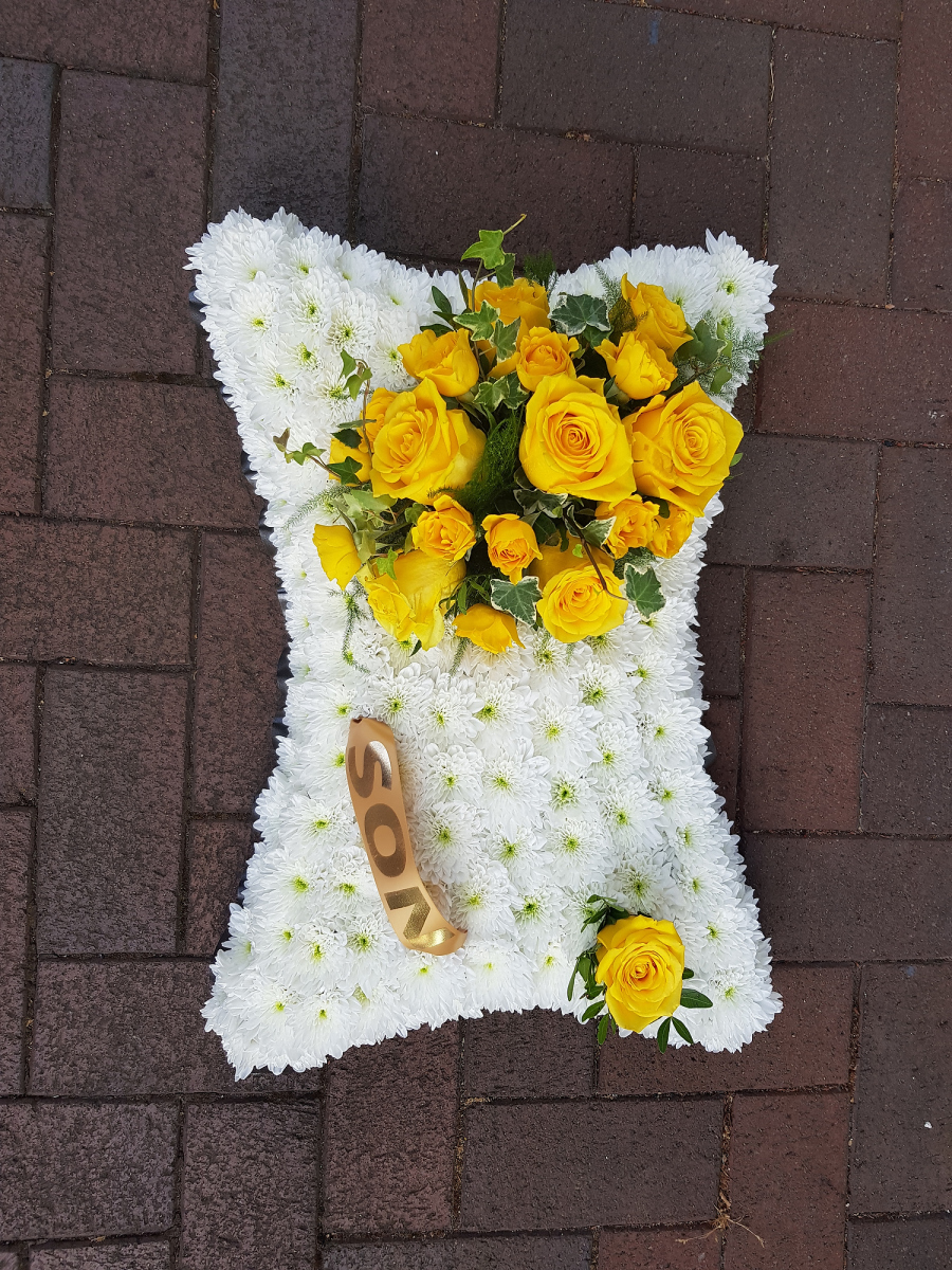 funeral-flowers-rugeley-florist-staffordshire-009