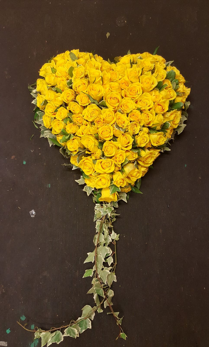 funeral-flowers-rugeley-florist-staffordshire-038